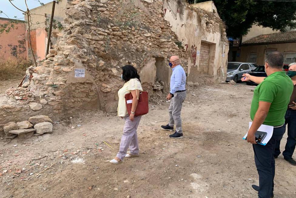 El Ayuntamiento de Cartagena abre 39 expedientes sobre limpieza de solares de San Antón