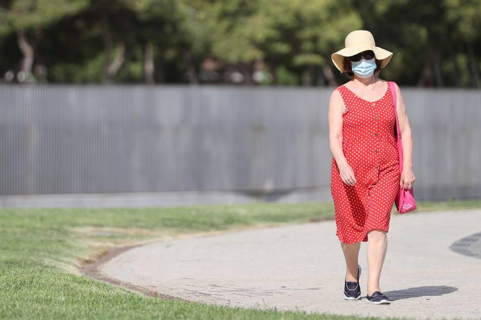 Madrid notifica 3.927 contagios, casi mil menos que el jueves, y 35 muertes