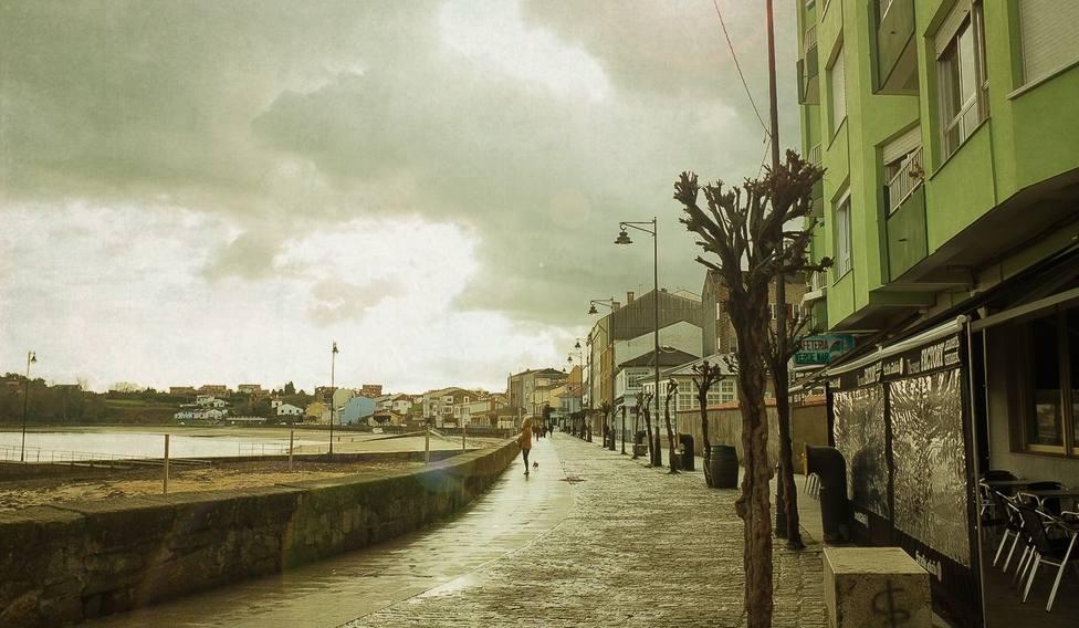 Foto de archivo del paseo marítimo de Ares - FOTO: Montse Funcasta