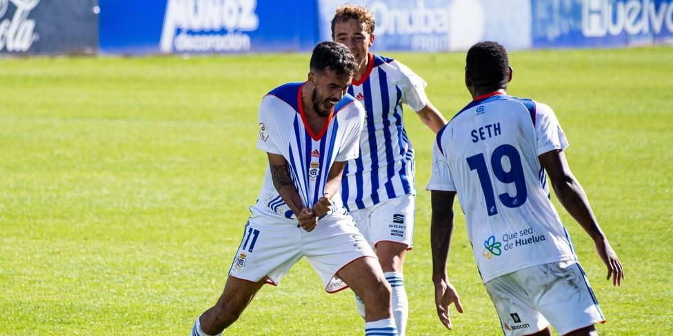 Alberto Quiles celebra su gol