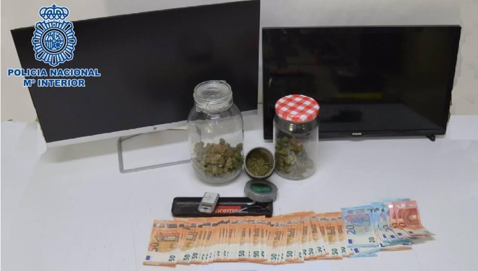Sucesos.- La Policía Nacional desmantela un punto de venta de marihuana asentado en el centro de Ciudad Real