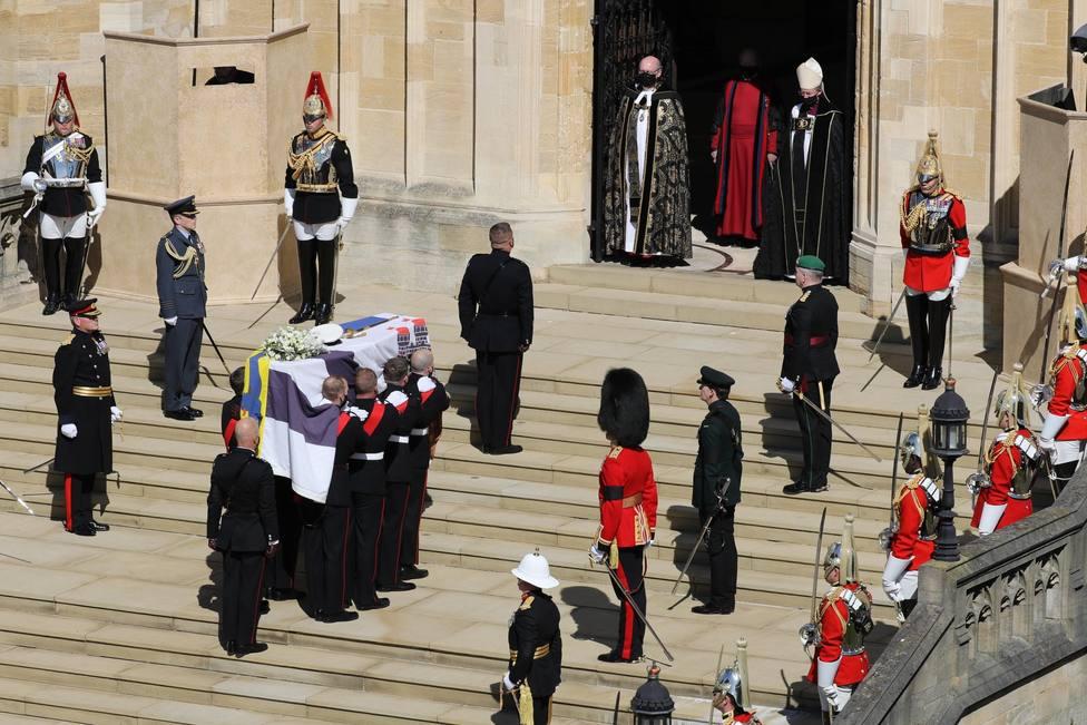 Comienza el funeral por el Duque de Edimburgo en la Capilla de San Jorge