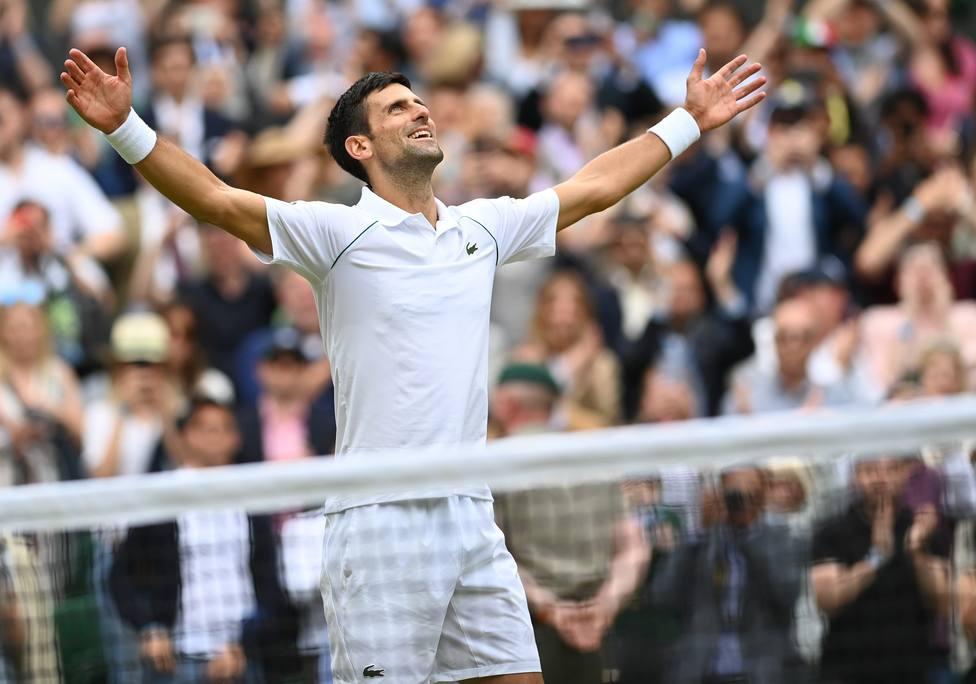 Djokovic, tras proclamarse campeón de WImbledon.