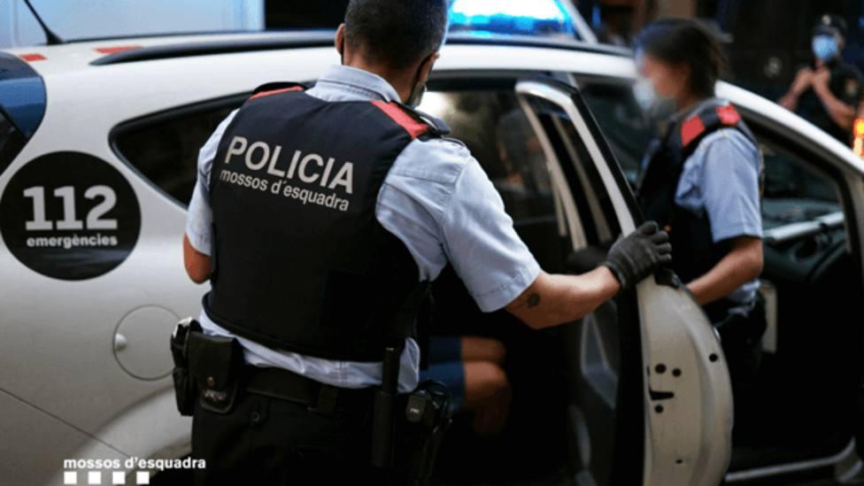 Detenidos dos hombres por acumulación de robos en Barcelona y otro por apuñalamiento en Terrassa