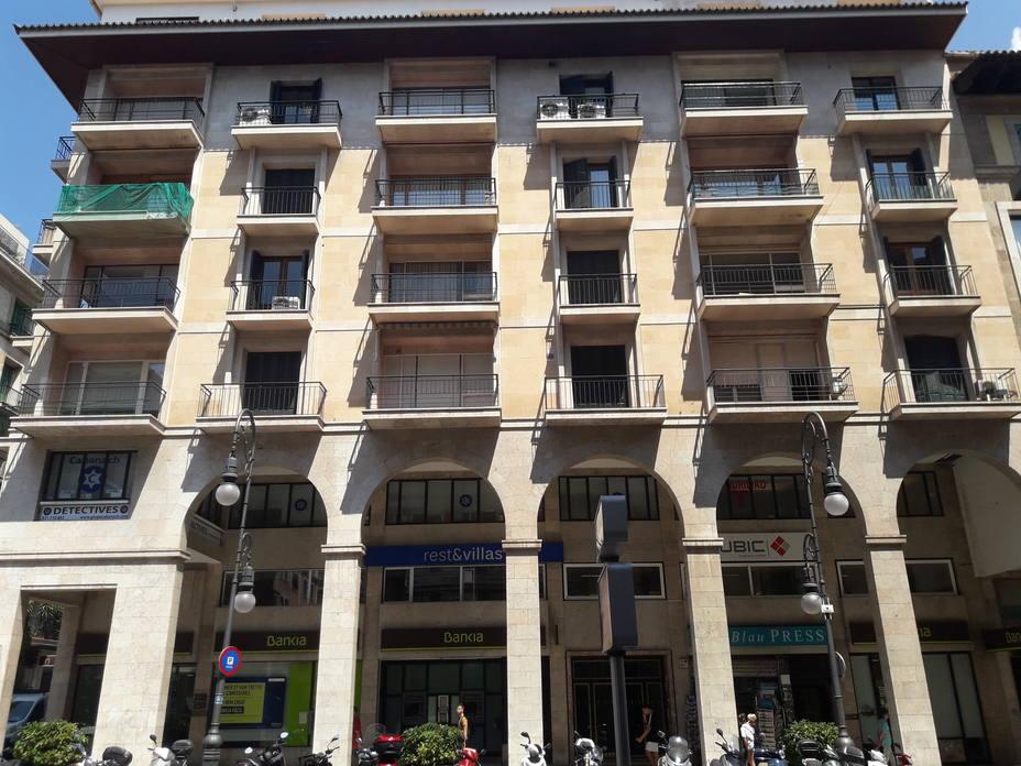 Los administradores de fincas podrán denunciar a los bancos morosos ante el Govern