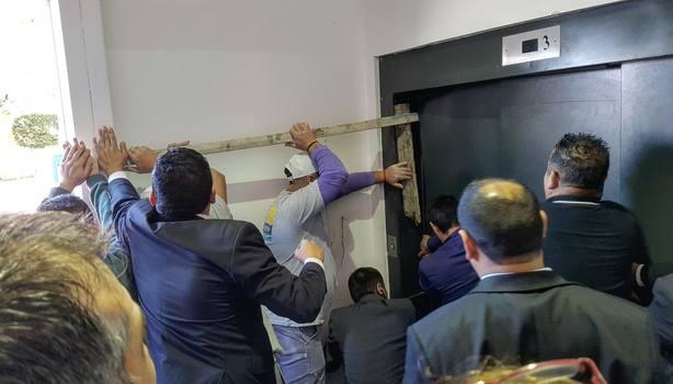 El ascensor en el que ha sufrido el accidente la consejera vasca Arantxa Tapia