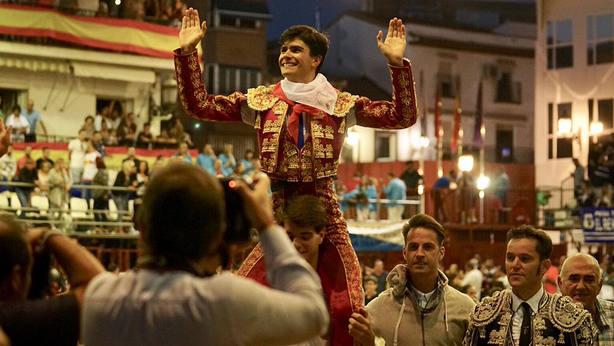 Francisco de Manuel en su salida a hombros este sábado en Arganda del Rey