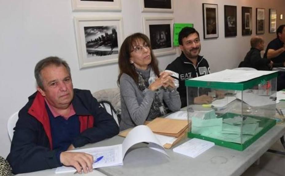 La huida de un vocal en una mesa electoral de Marbella y otras anécdotas de la jornada
