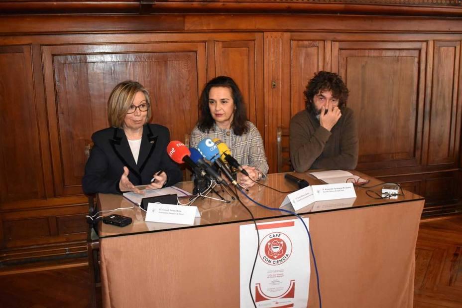 Araceli Torres, Susana Martínez Galdós y Alejandro Casteleiro
