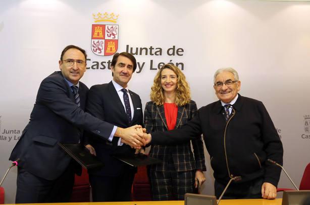 Pedro Puente (derecha), junto a dos consejeros de la Junta de Castilla y León y el presidente de la FRMP