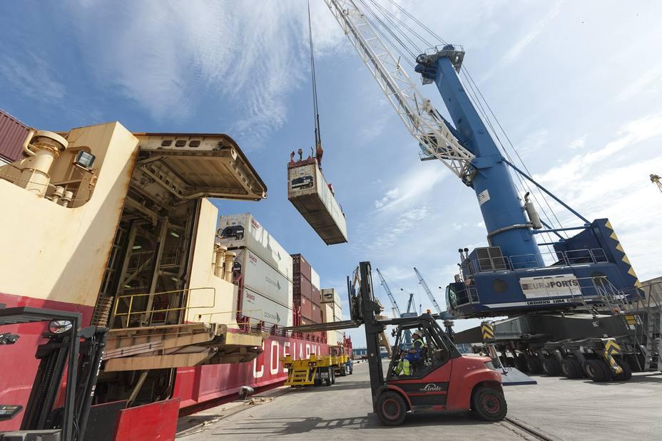 Los puertos encadenan su cuarto récord anual en tráfico mercancías tras crecer un 3,3% en 2018
