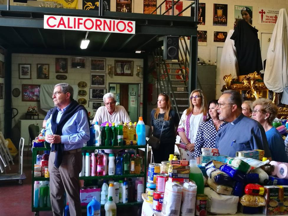 La cofradía california cumple con las asociaciones benéficas