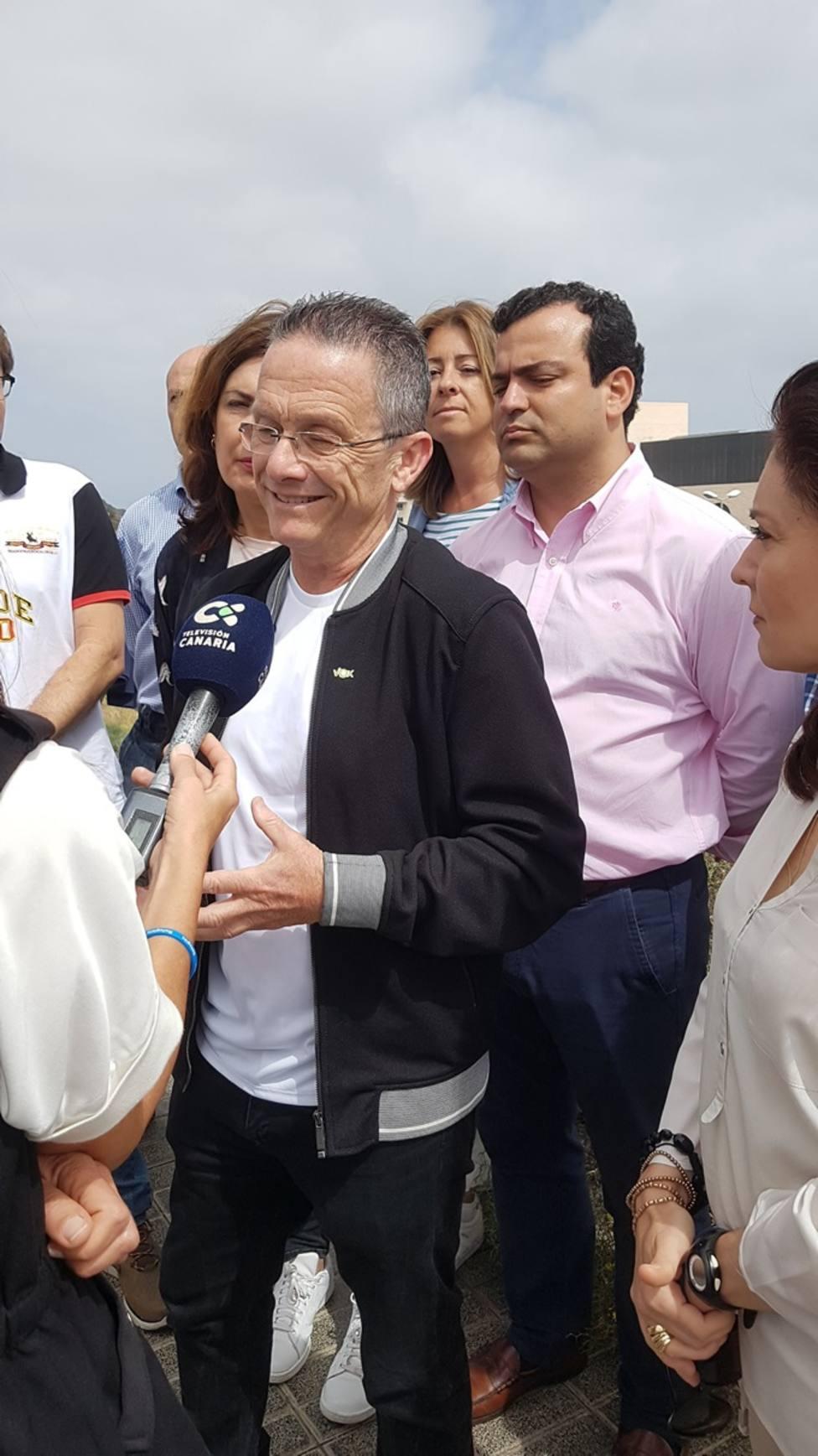 Vox propone cambiar el nombre del hospital canario Doctor Negrín por Hospital Amancio Ortega