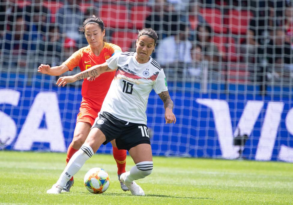 La centrocampista alemana Marozsan no jugará ante España por tener roto un dedo del pie