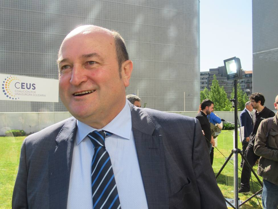 PNV insta a Sánchez y Chivite a mover ficha para negociar si quieren su apoyo
