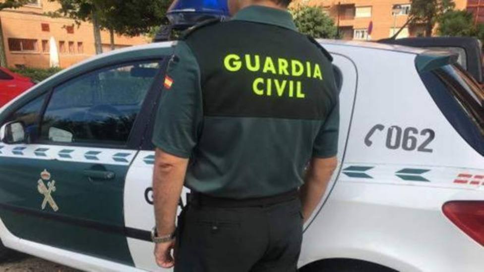 Agente de la Guardia Civil de servicio