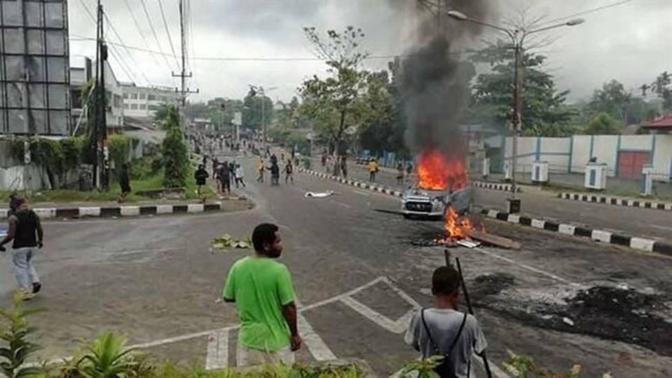 Casi 260 presos se fugan de una cárcel en Indonesia aprovechando una manifestación contra el Gobierno