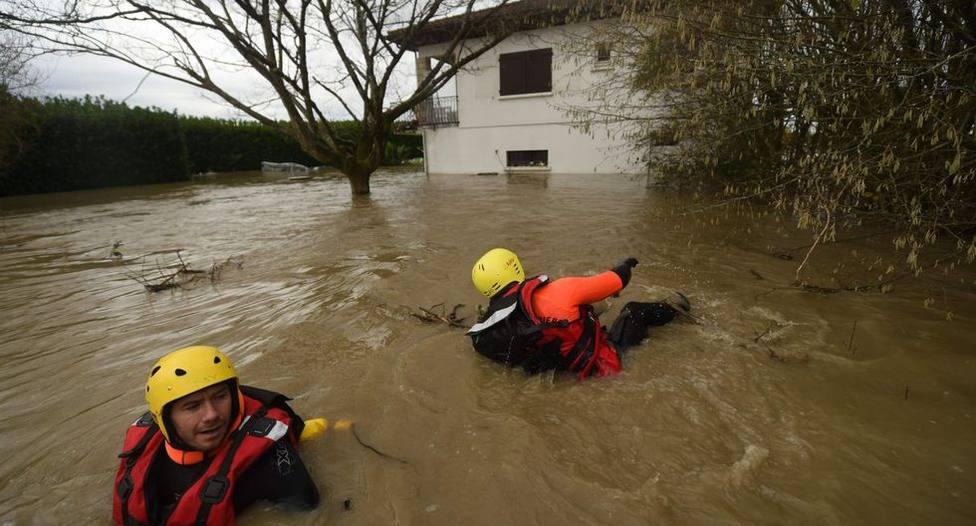 El fuerte temporal causa estragos en el suroeste de Francia dejando ya, al menos, tres muertos