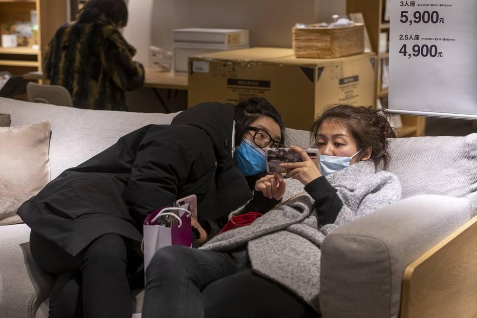 China eleva a 2.788 las muertes por el nuevo coronavirus y cifra en 78.828 las personas contagiadas