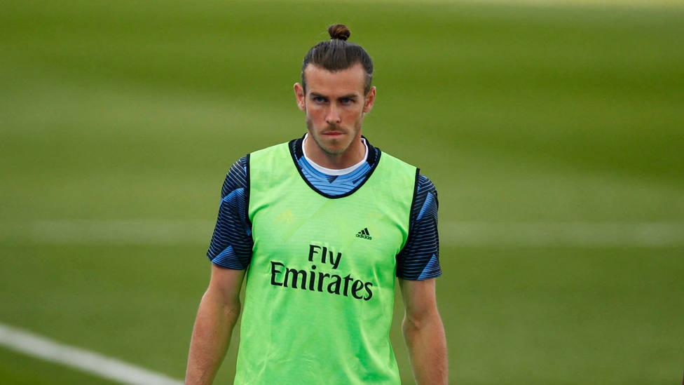 Gareth Bale, con el peto de calentamiento. CORDONPRESS
