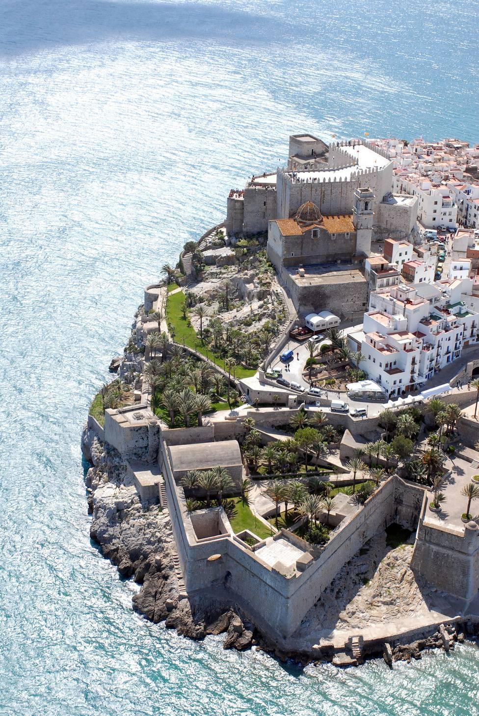 Peñíscola es la principal población turística de Castellón y ciudad papal con su castillo