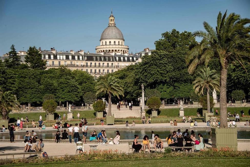 Francia confirma más de 6.500 casos y cerca de 40 fallecidos por coronavirus durante el último día