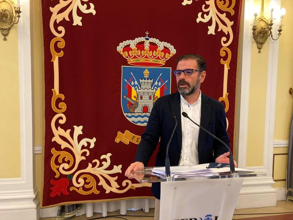 Ángel Mato en rueda de prensa en el salón de recepciones del Ayuntamiento de Ferrol - FOTO: Concello de Ferrol