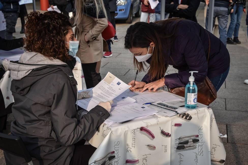 Italia suma 31.758 nuevos casos de coronavirus y 297 muertos