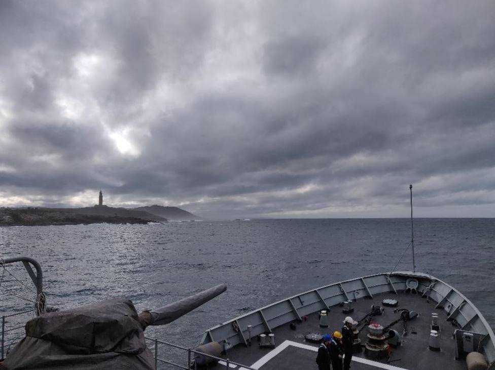 El Centinela tras abandonar la ría de Ferrol - FOTO: Armada