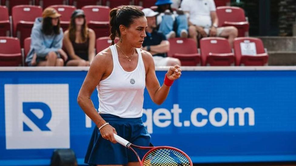 Nuria Parrizas celebrando su primer título WTA tras vencer a Olga Govortsova.