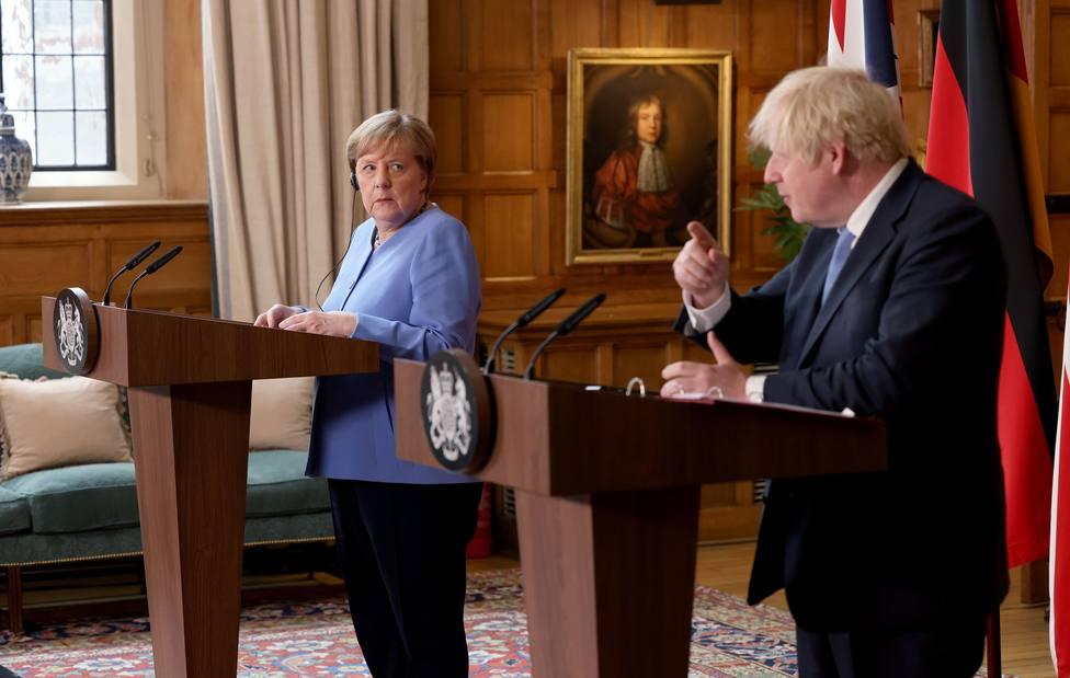 Johnson urge a la UE a debatir de forma constructiva la propuesta sobre Irlanda del Norte