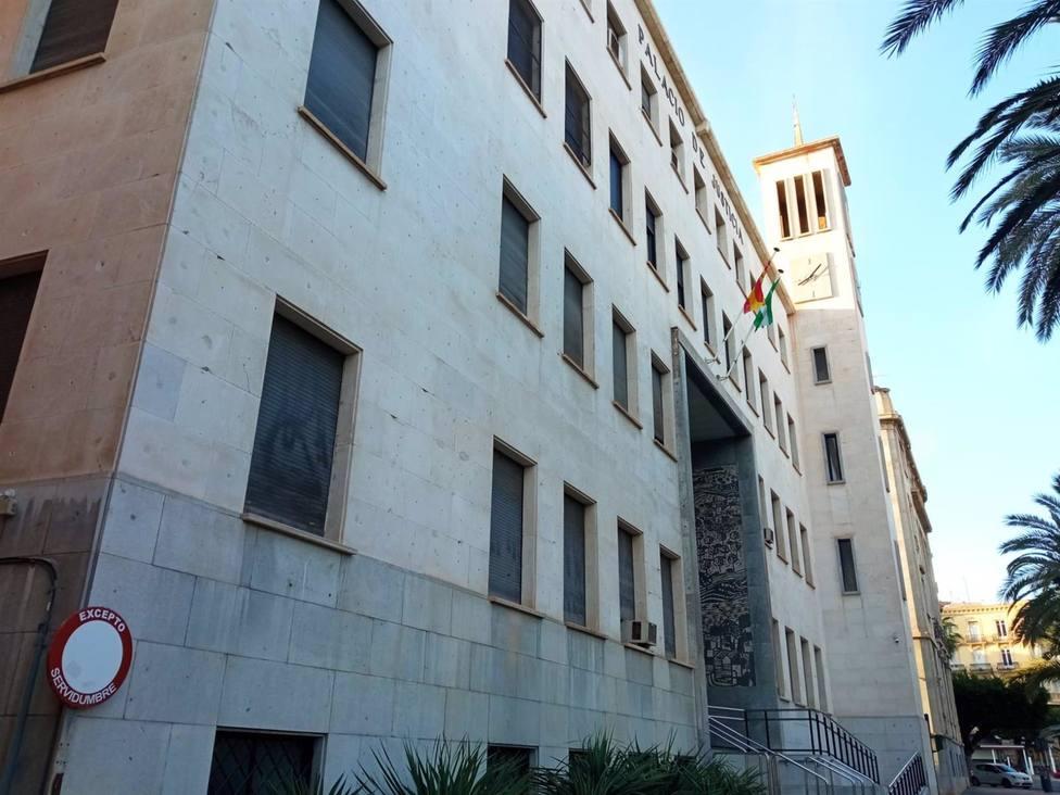 Juzgan este jueves en Almería al acusado de intentar matar a su ex pareja estrellando su coche en la autovía