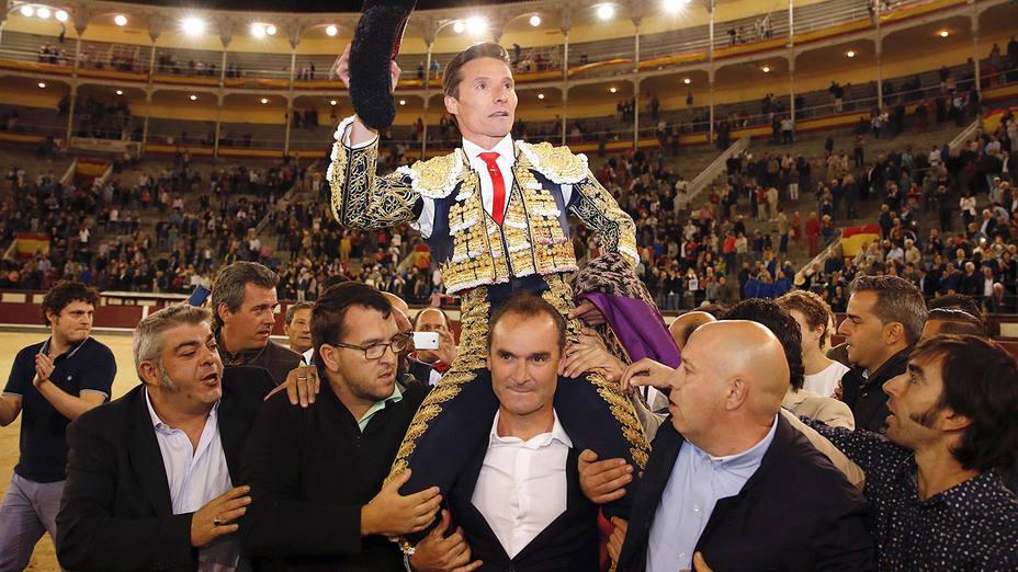 Diego Urdiales en su salida a hombros en la última Feria de Otoño en Las Ventas