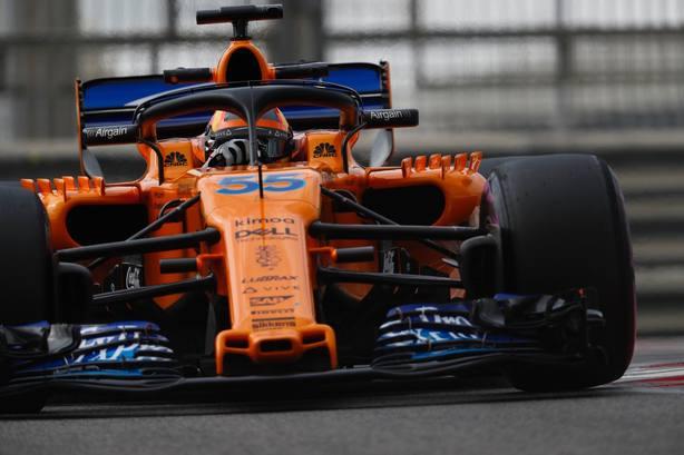 Carlos Sainz se estrena con McLaren rodando 150 vueltas y marcando el quinto mejor tiempo en Abu Dabi