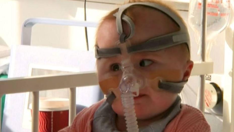 Vanellope, la bebé de Reino Unido que nació con el corazón fuera