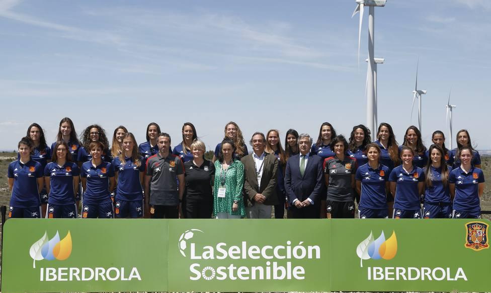 Iberdrola compensará la huella de carbono de la selección española femenina con energía verde