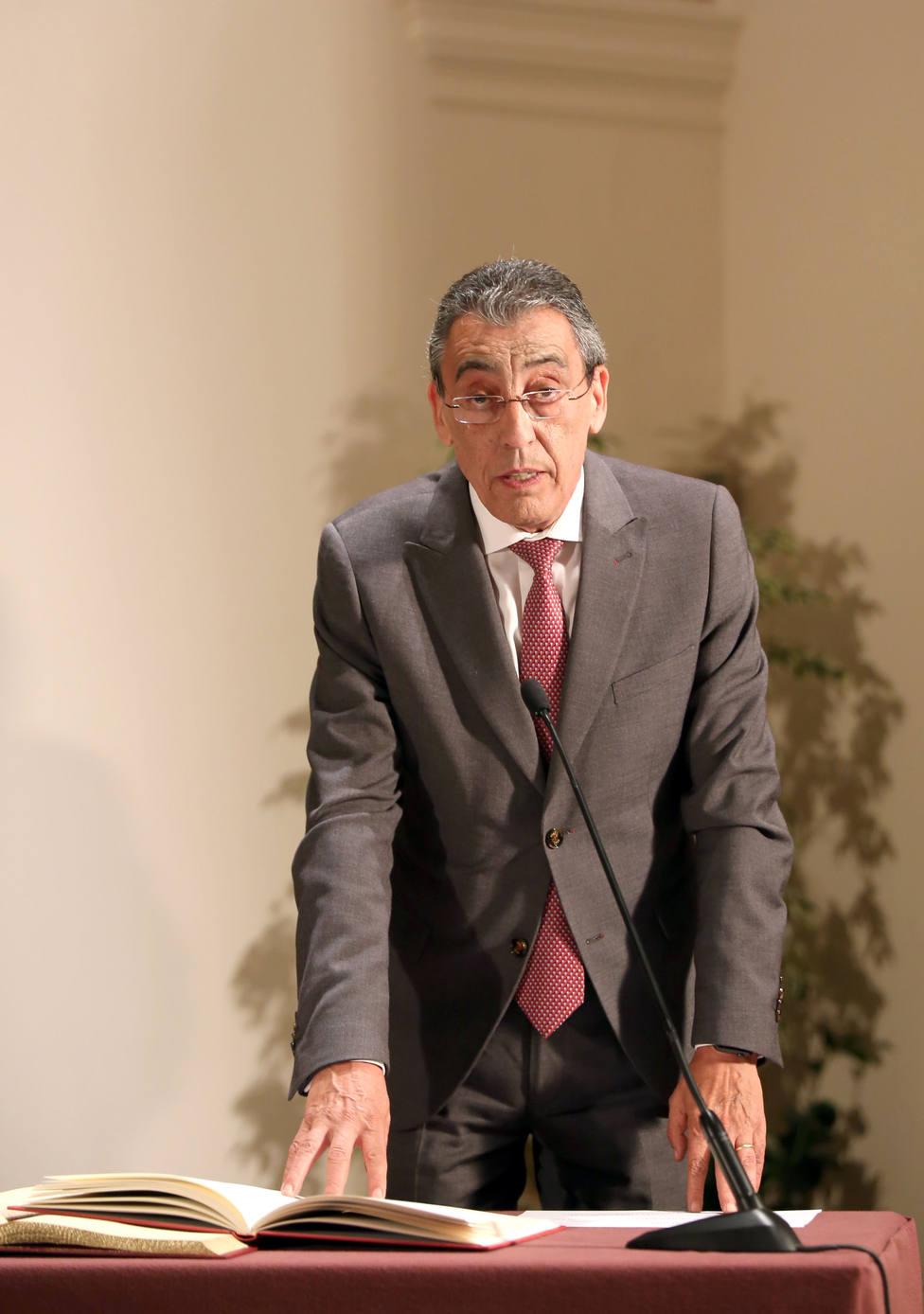 Bienvenido Mena toma posesión como director general de Innovación y Formación del Profesorado