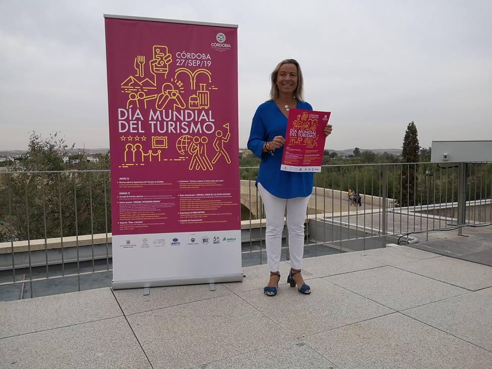 Isabel Albás presenta actos día del Turismo