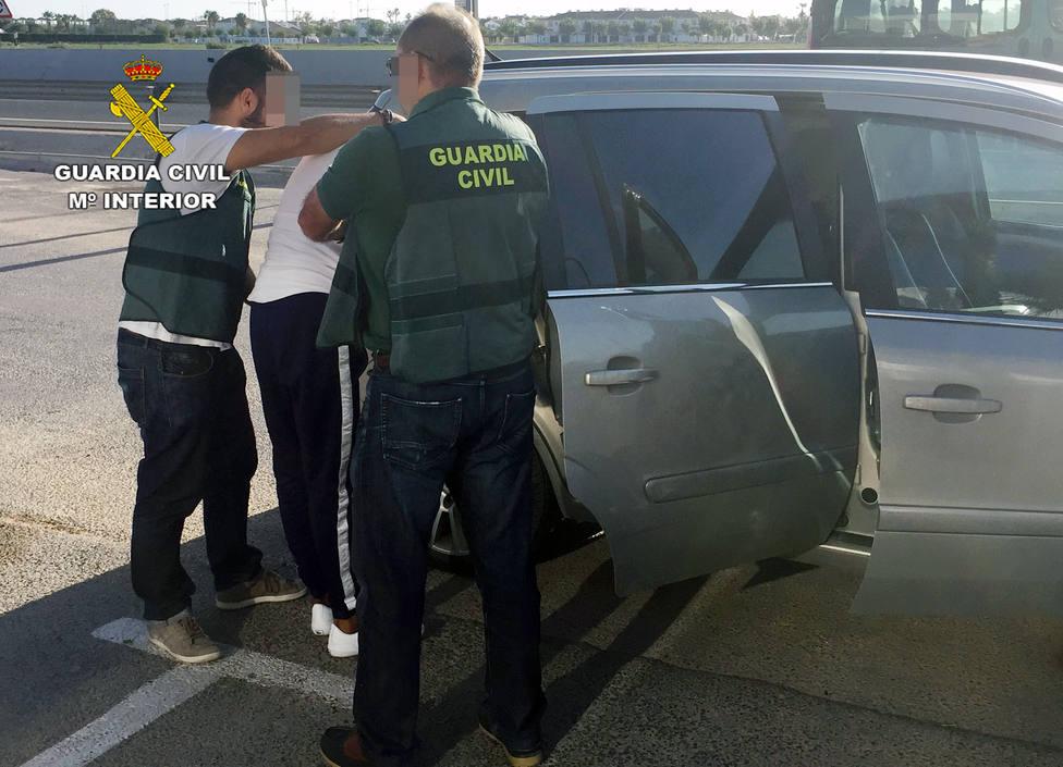 Detenidos dos experimentados delincuentes por robos en viviendas en Torre Pacheco