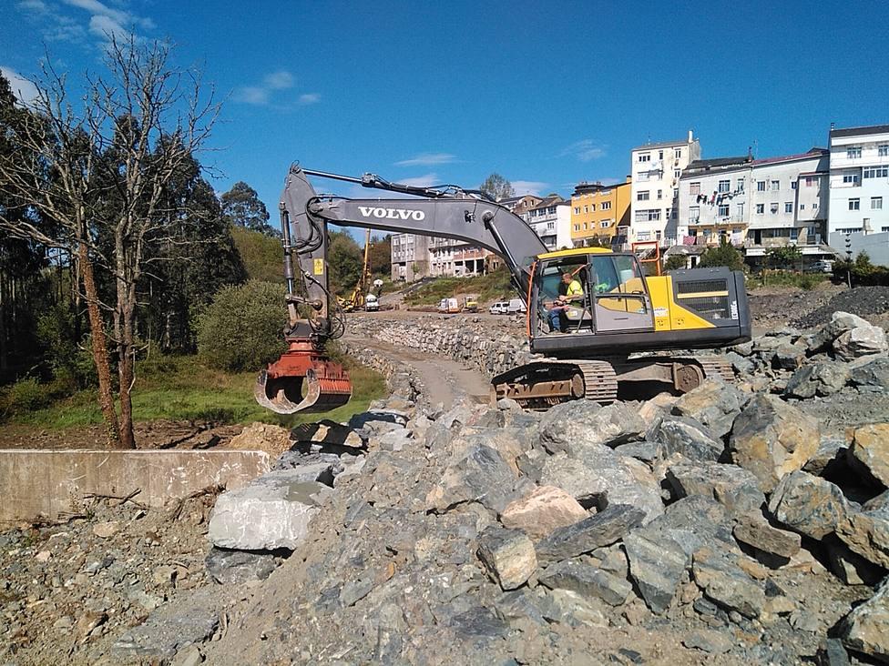 Trabajos en la nueva carretera de circunvalición de As Pontes - FOTO: Xunta
