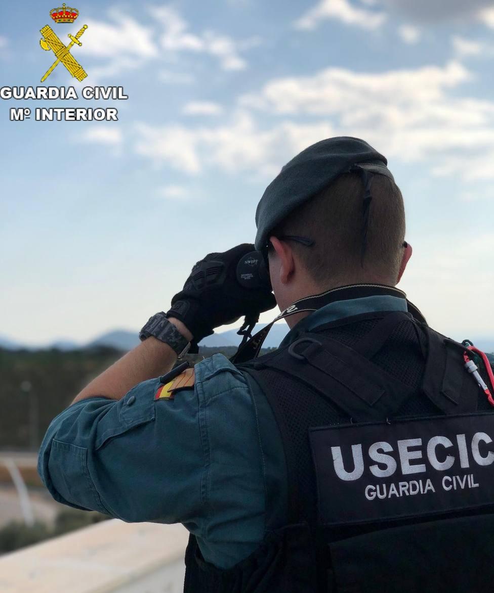 El Guardia Civil vive en la vivienda que linda con la incendiada