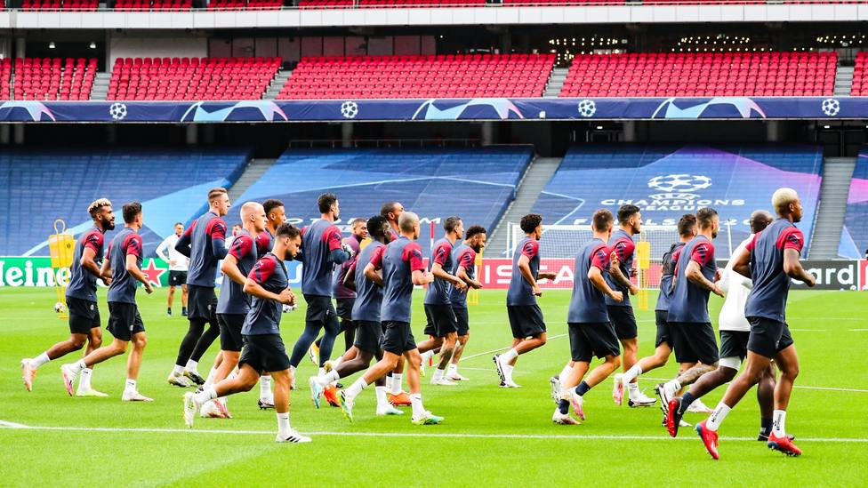 La UEFA multa con 30.000 euros al PSG por retrasar el inicio del partido frente al Atalanta