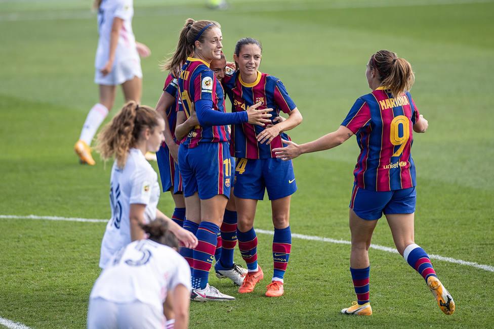 El primer Real Madrid-Barcelona de la historia en el fútbol femenino acabó con goleada azulgrana.