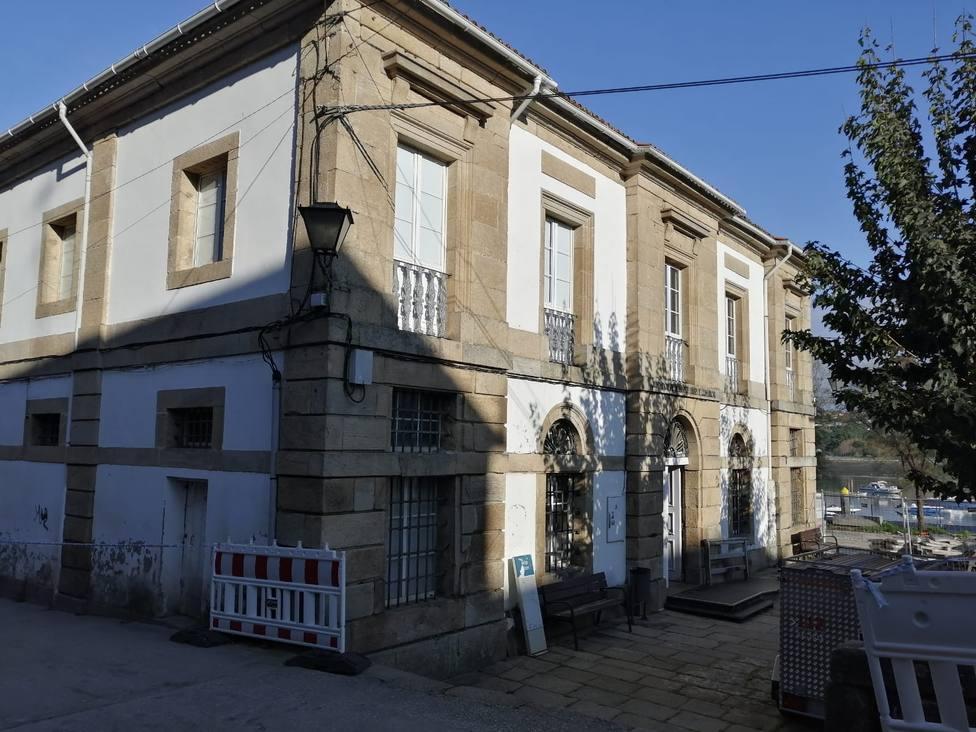 Antiguo edificio de los juzgados y actual sede de Servicios Sociales - FOTO: Concello de Pontedeume