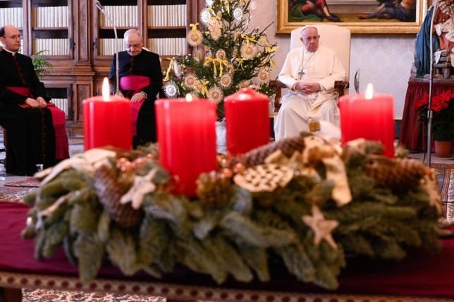 """El Papa insta a los fieles a descubrir una Navidad """"más auténtica"""" y menos  consumista - Papa Francisco - COPE"""