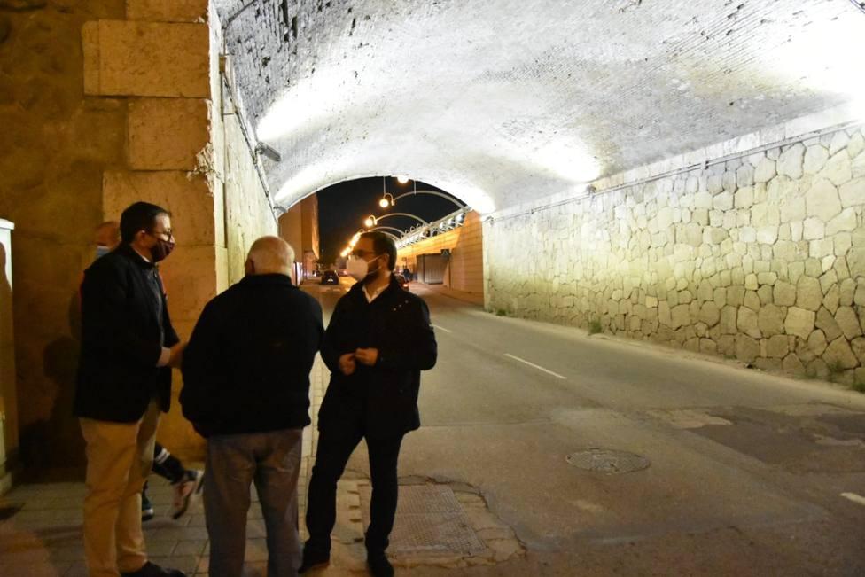 Lorca renueva la iluminación del 'Puente de los Carros'