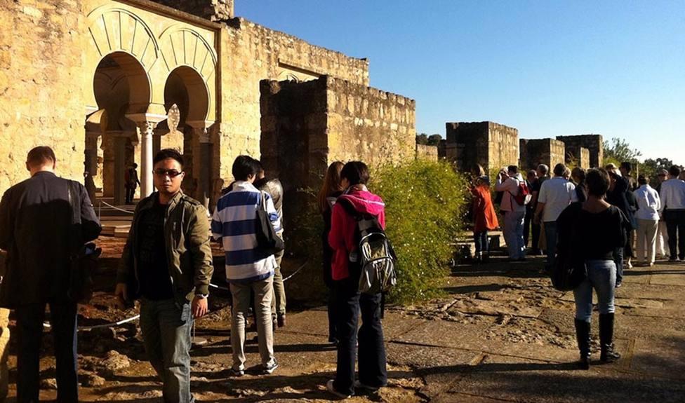Córdoba recupera tras más de cien años los patios en Jueves Santo y Medina Azahara acoge visitas guiadas