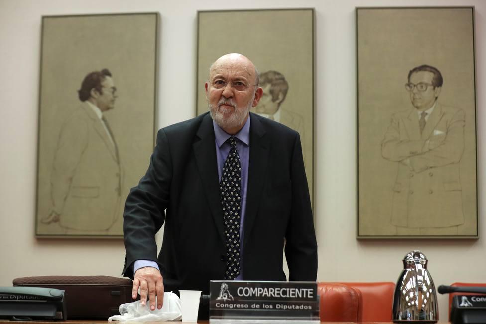 Tezanos acusa a VOX y algunos personajes del PP de radicalizar el debate político