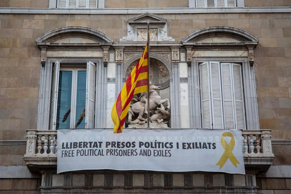 Una pancarta en el balcón de la Generalitat - David Zorrakino- Europa Press - Archivo