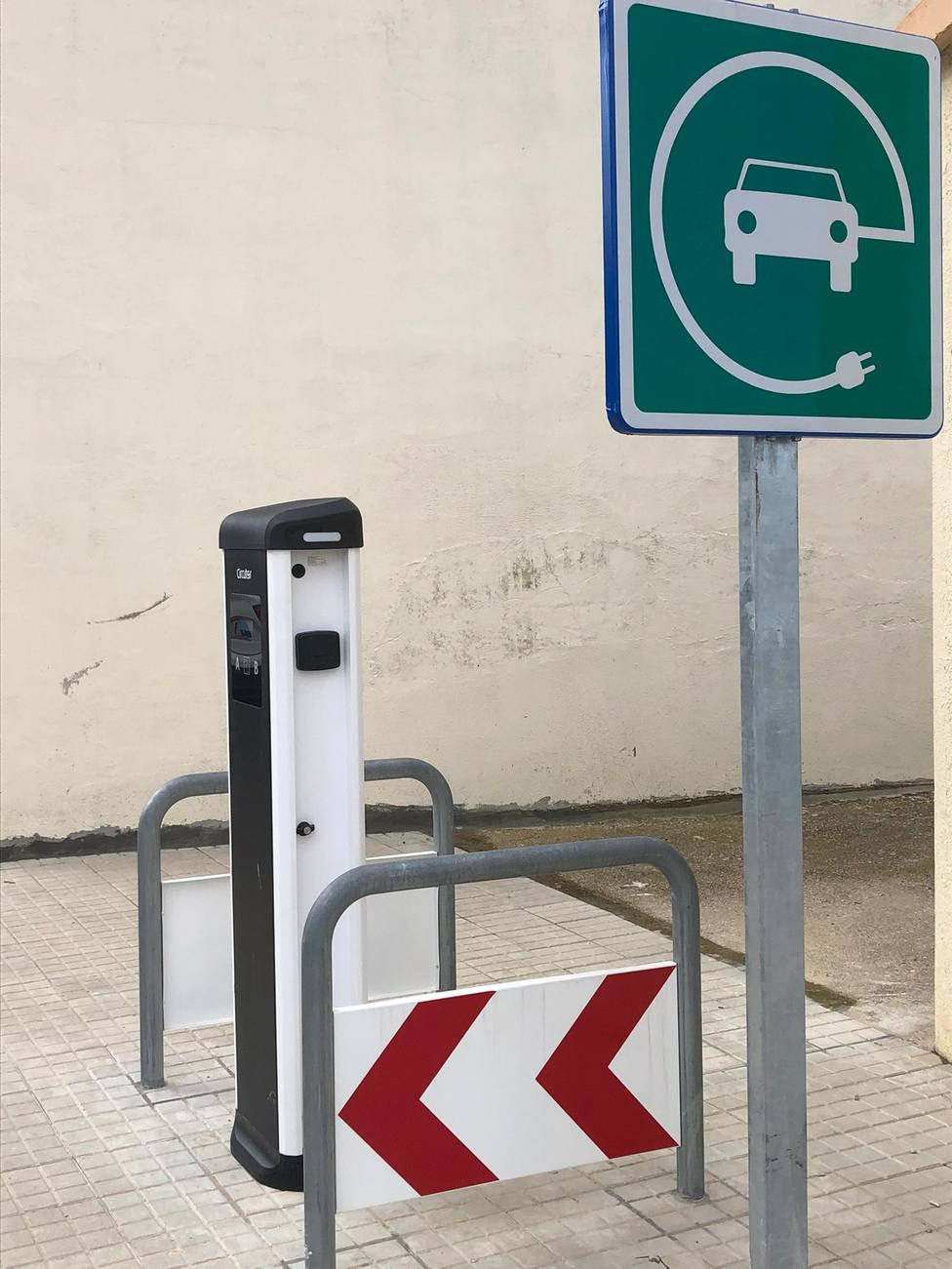 ctv-lhy-punt-de-recrrega-per-a-vehicles-elctrics